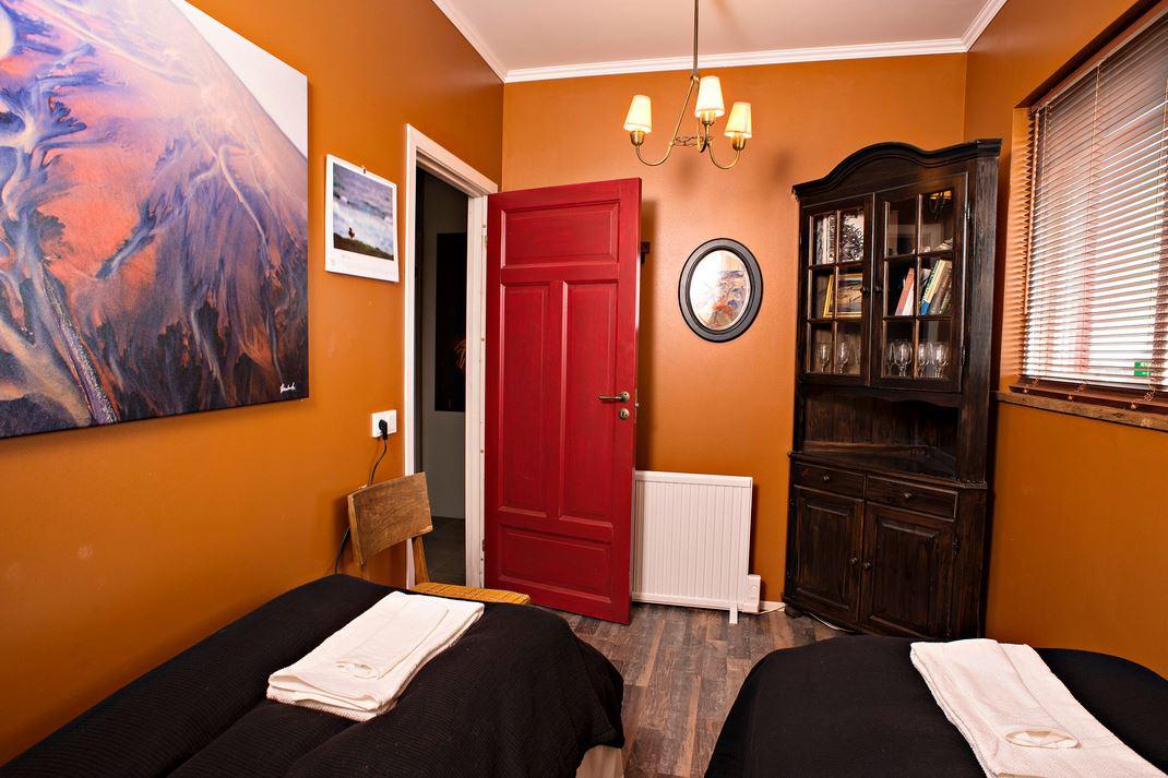 Auch Zimmer mit Etagenduschen haben einen gewissen Charme. Foto: Hrífunes Guesthouse.